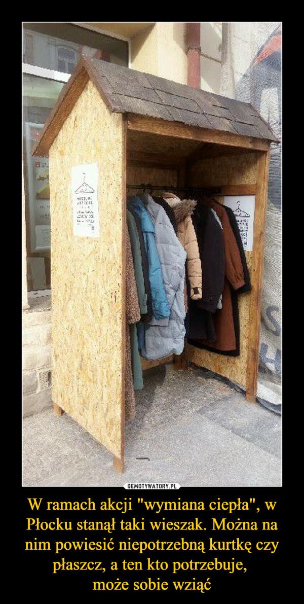 """W ramach akcji """"wymiana ciepła"""", w Płocku stanął taki wieszak. Można na nim powiesić niepotrzebną kurtkę czy płaszcz, a ten kto potrzebuje, może sobie wziąć –"""