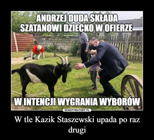 W tle Kazik Staszewski upada po raz drugi